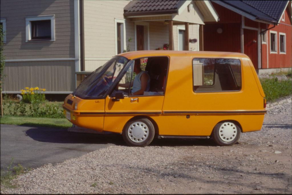 Postin ensimmäinen sähköauto Finnvan